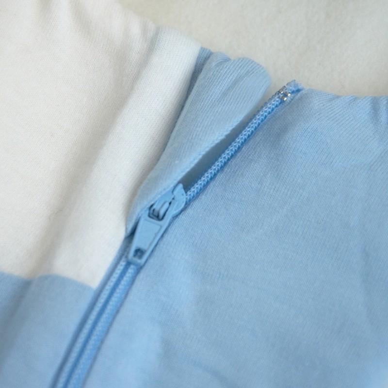 Világoskék-kék-türkiz csíkos garbósál